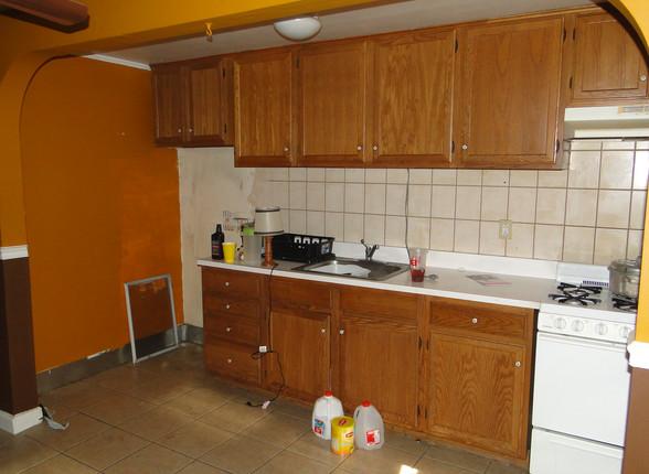 04 - Kitchen 1.JPG
