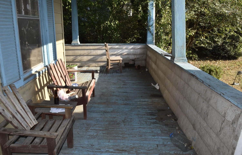 05 Porch.jpg