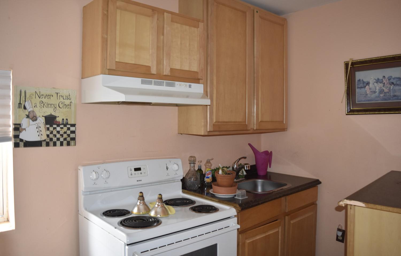 340 Kitchen Apt 2.jpg
