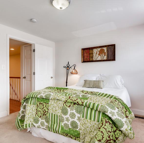 17 2nd Floor Master Bedroom.jpg