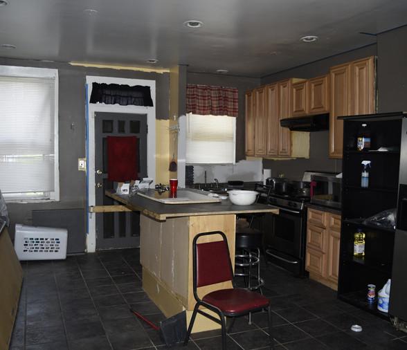 08 Kitchen.jpg