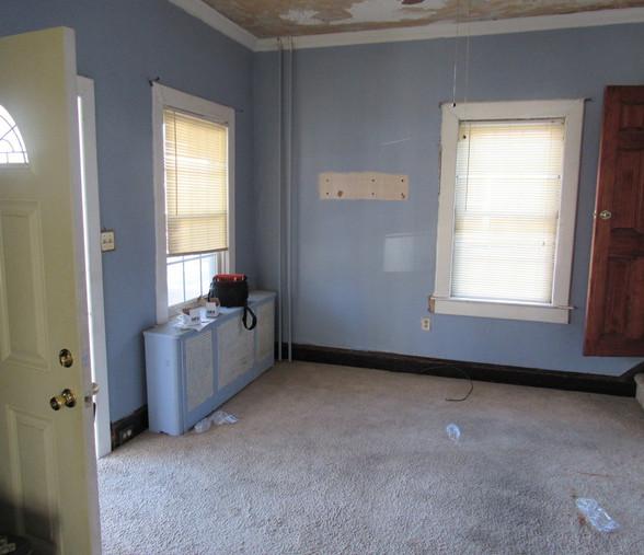 08 Living RoomJPG.jpg