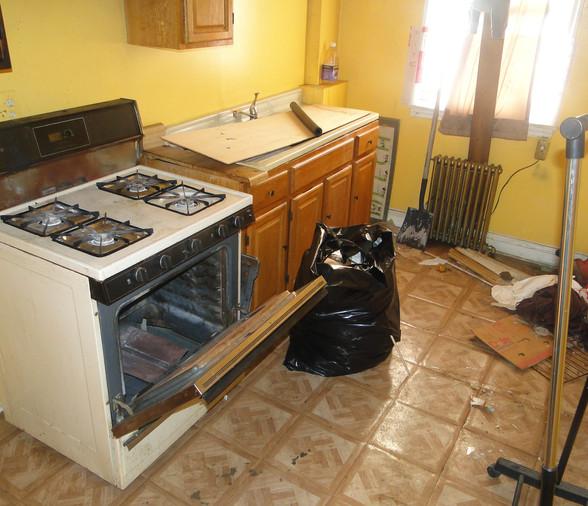 13 - Second Level Kitchen 1.JPG