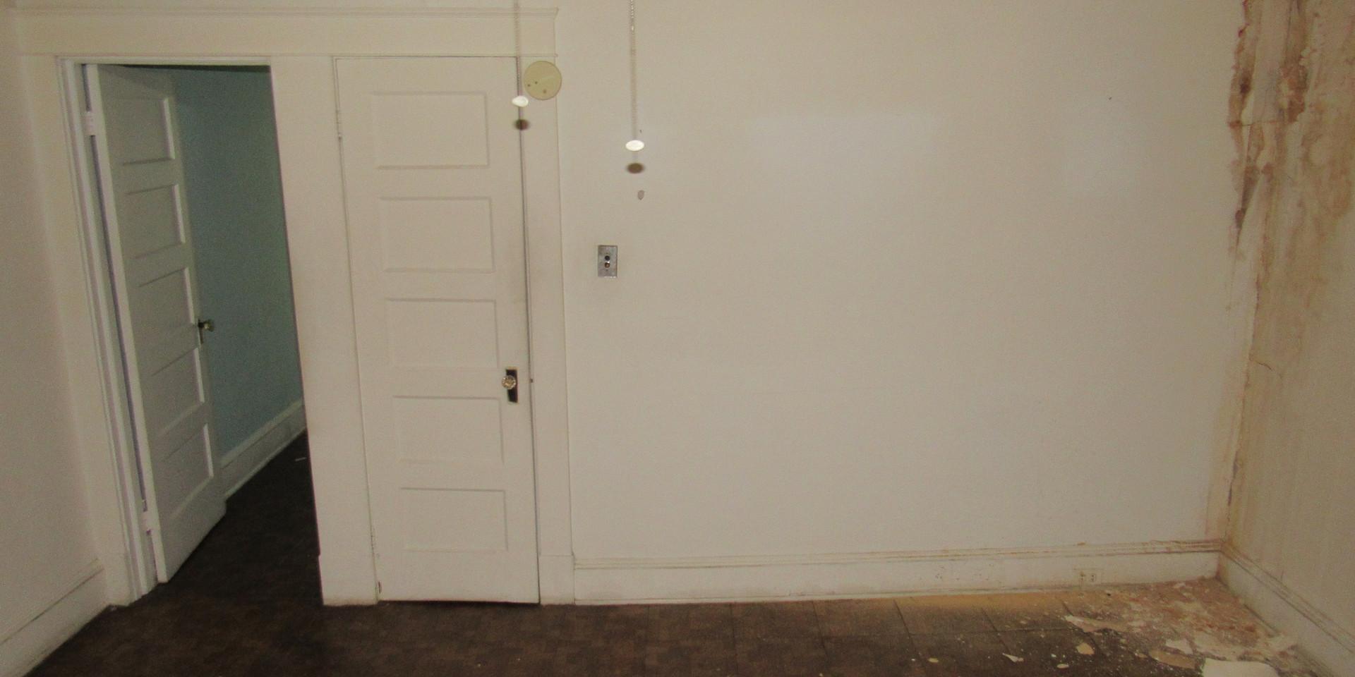 Jb Bedroom 3.JPG