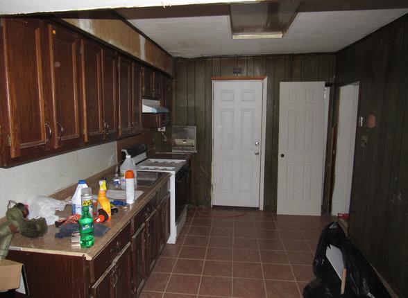 11 Kitchen E.JPG