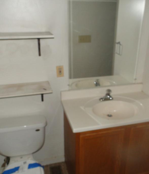 110 Bathroom.JPG