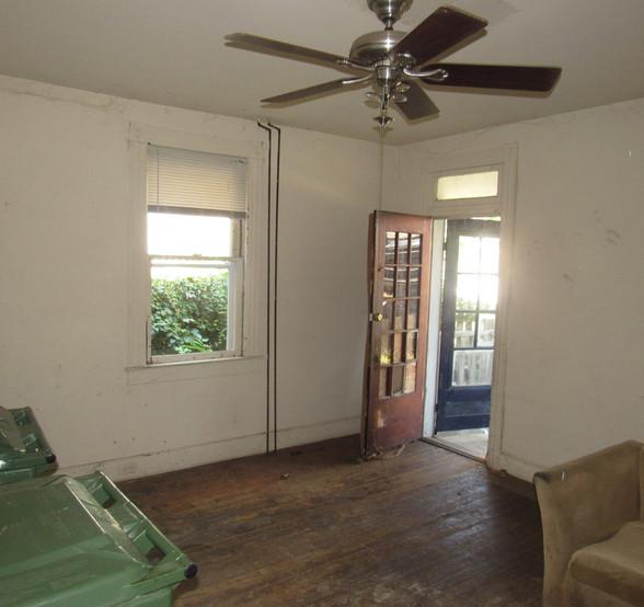 04 - 1525 Living Room.jpg