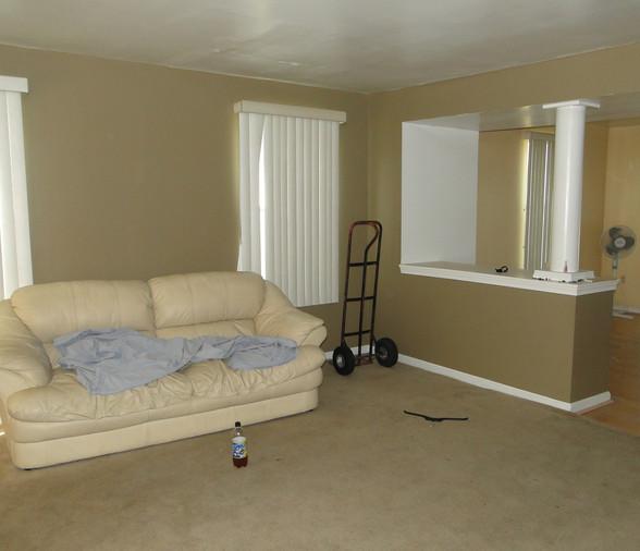 03 - Living Room 3.JPG