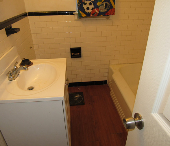 180 BathroomJPG.jpg