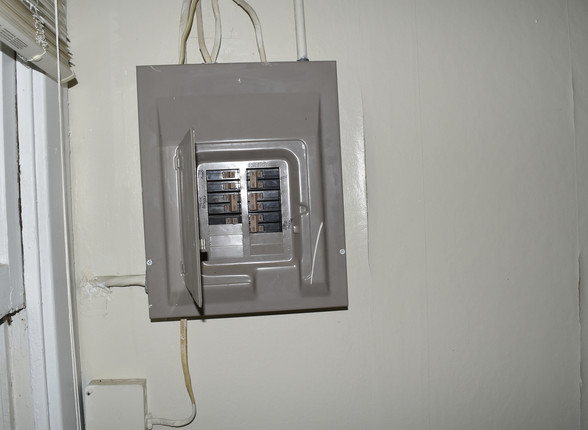 26.0 Apartment 2 Electric Panel.jpg
