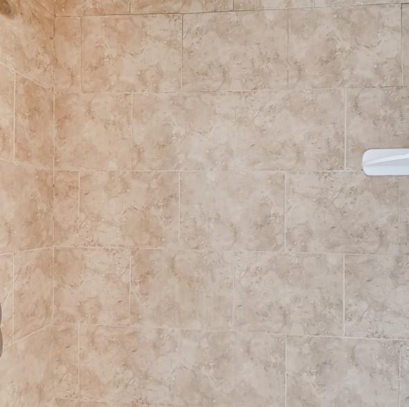 19 2nd Floor Master Bathroom.jpg