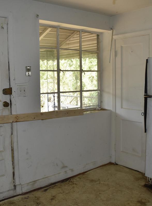 410 Kitchen.jpg