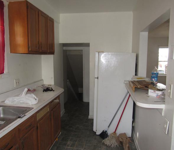 130 Kitchen.JPG