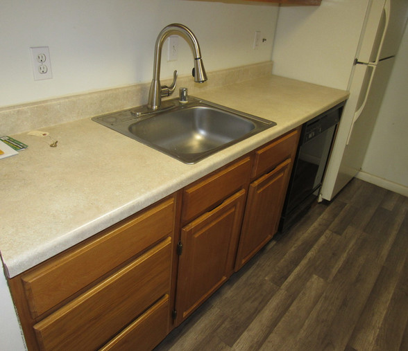 140 KitchenJPG.jpg