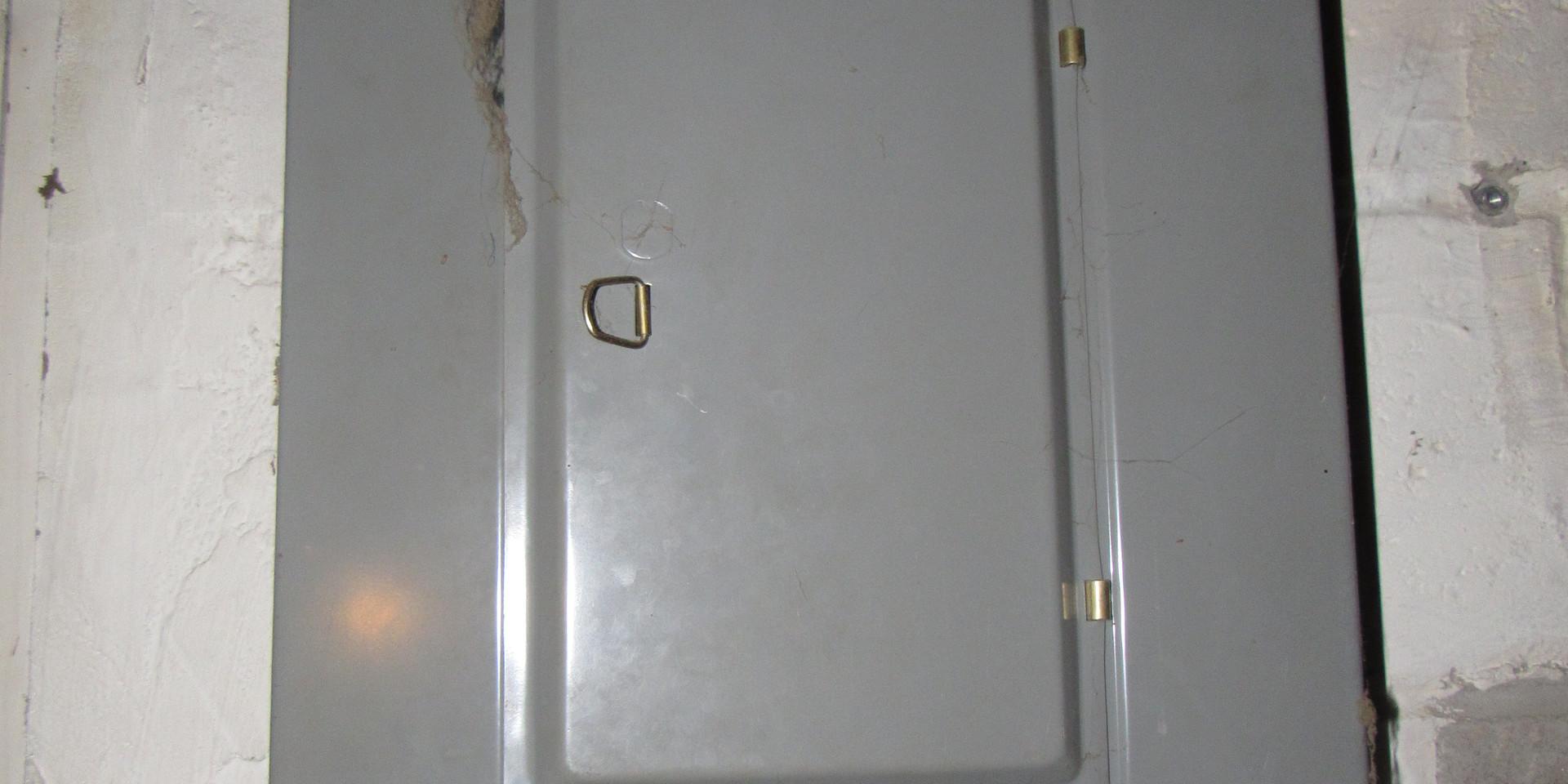 18 Electric Panel B.JPG