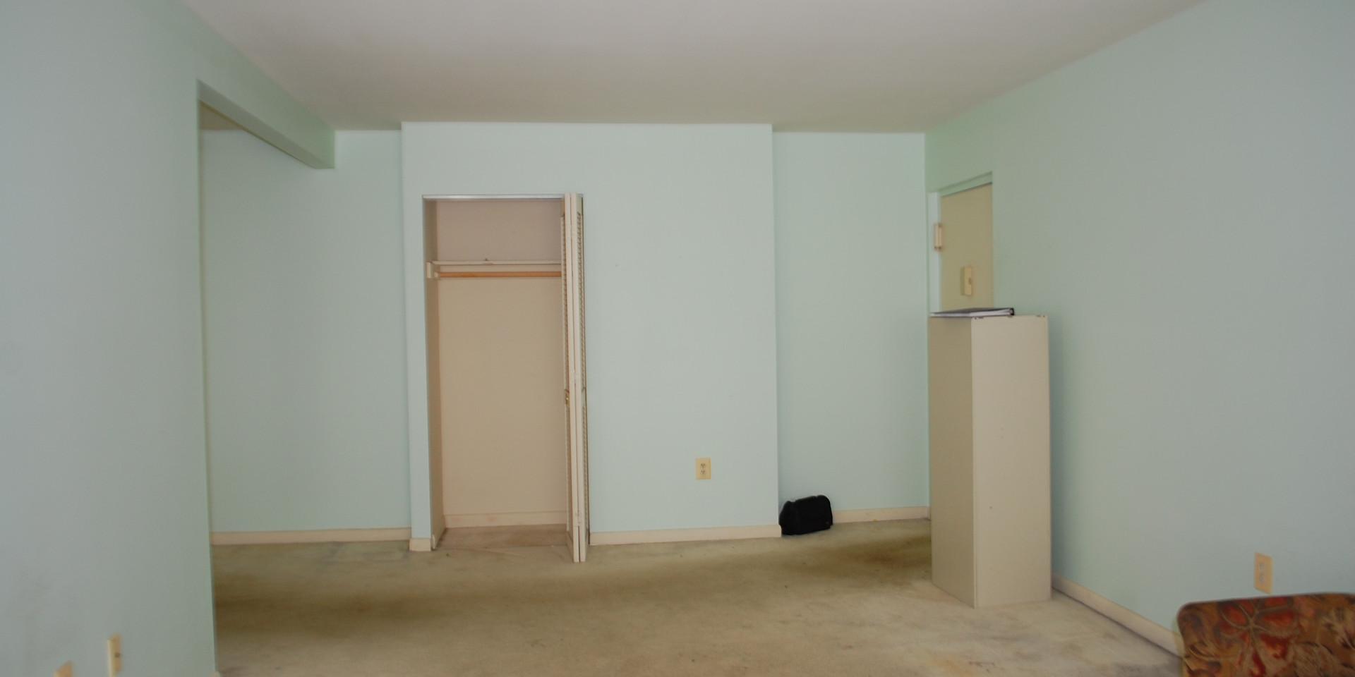 2.3 Living Room.JPG