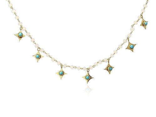C21 Collar de acero quirúrgico decorado con charms y turquesas.