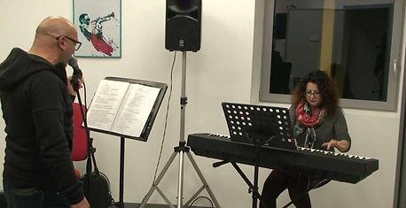 Like Music school,Scuola di canto e dei principali strumenti musicali Verbania, lezioni di canto Verbania, Lezioni di batteria Verbania, lezioni di chitarra Verbania, lezioni di pianoforte verbania, lezioni di basso Verbania, lezioni di violino Verbania, lezioni di Violoncello Verbania, Lezioni di Sax Verbania, Lezioni di tromba