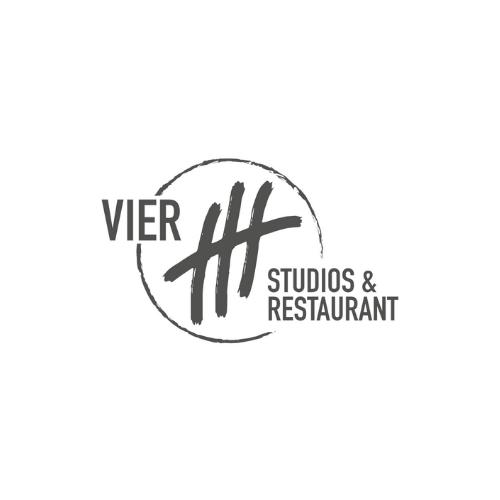 Vier Studios & Restaurant