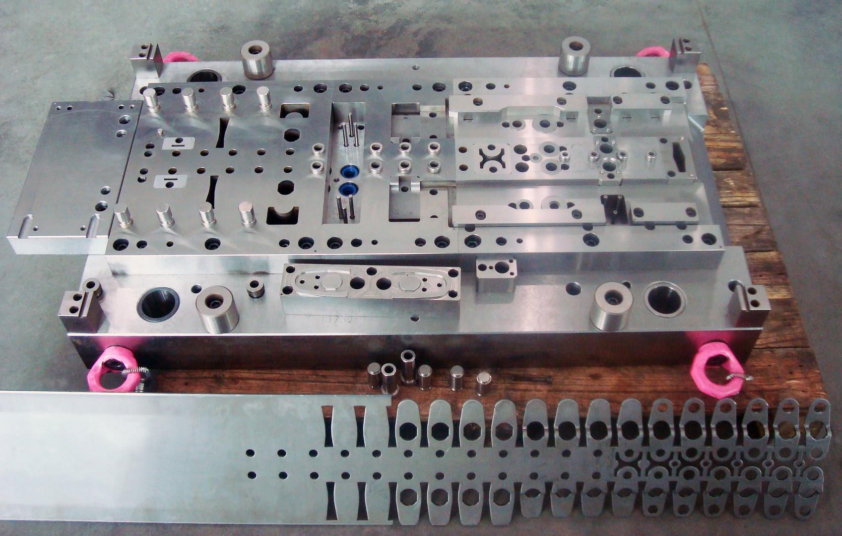Automotive - Progression Tools