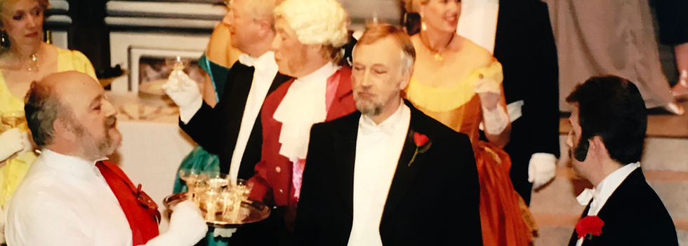 Winchester Operatic Society - WOS - Die Fledermaus - June 2002 - Theatre Royal Winchester