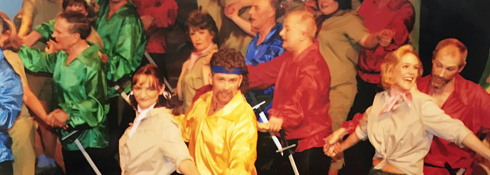 Winchester Operatic Society - WOS - The Pirates of Penzance - April 2004 - Theatre Royal Winchester