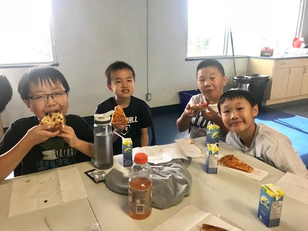 Aug27-31camp_pizza2.jpg