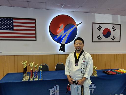 Master Bongdeok Lim