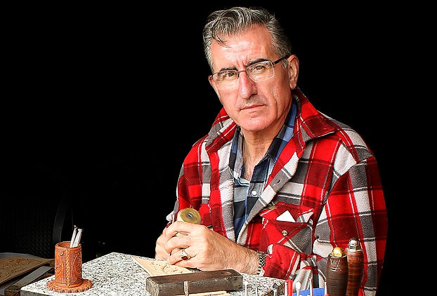 Salvador Sanchis artiste du cuir, Bedous Franc