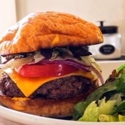 Farmhouse, Gilbert Cheese Burger