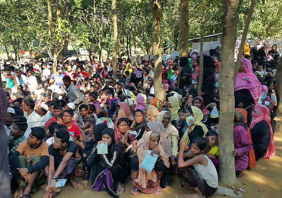 Rohingya-refugee-gathering-web.jpg