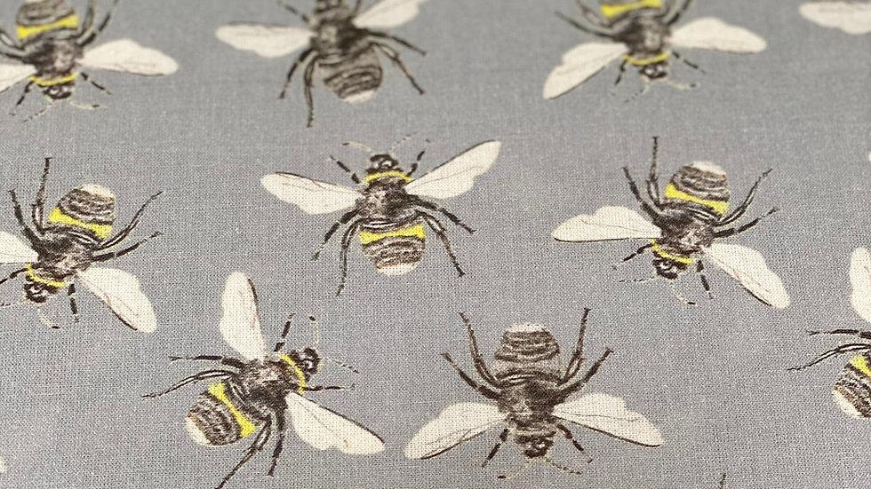 Bees - Digital cotton per half a metre