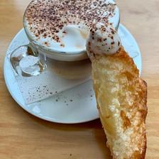 chausson trempé dans le café.jpeg