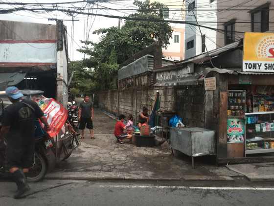 Ben Briggs Visits At-Risk Slums in Philippines