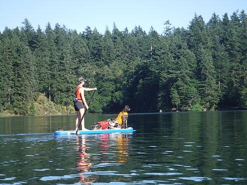 happy-dogs-cascade-lake-orcas-island