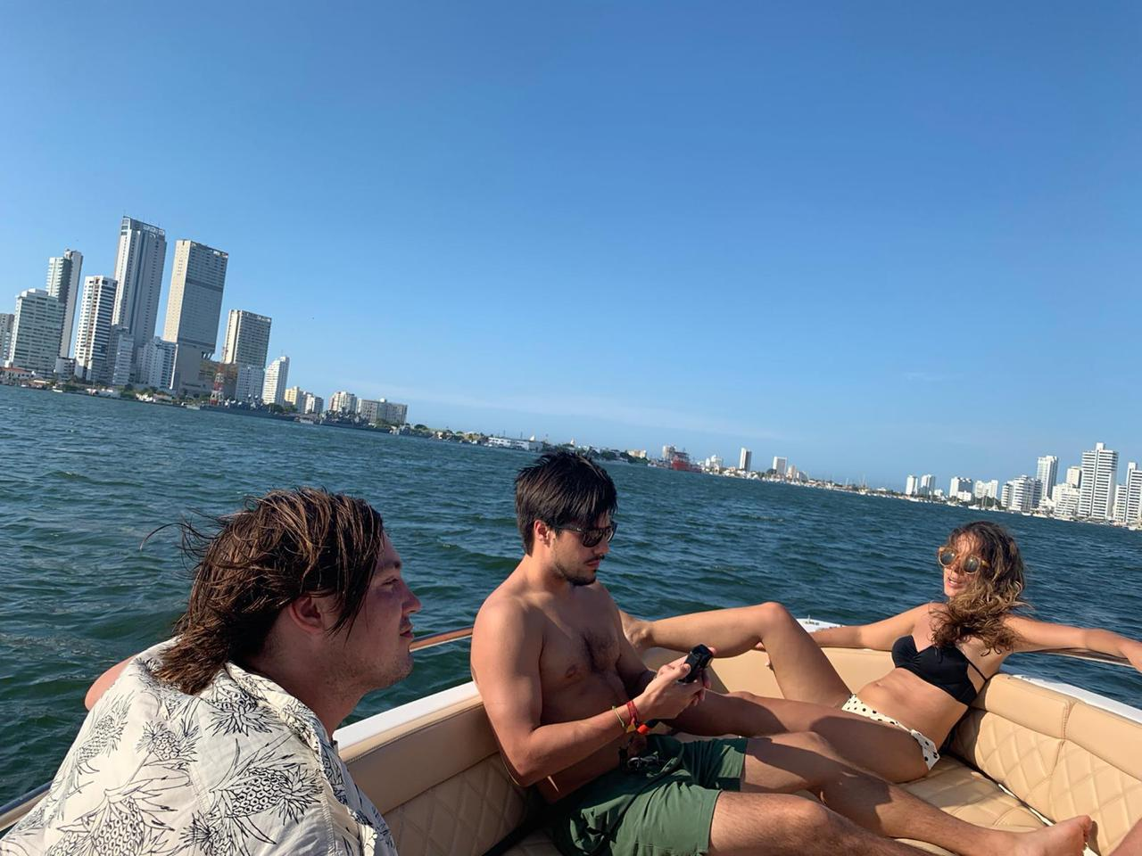 Navegando por la Bahía