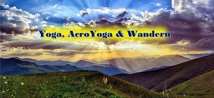 Yoga Acroyoga und Wandern.jpg