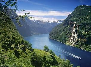 Skagefla-og-Geirangerfjorden.jpg