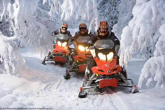 snowmobiling-lapland-rovaniemi-finland-4