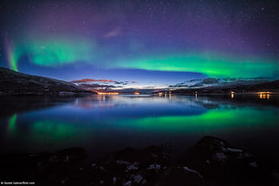 Tromsø_-_Northern_lights.jpg