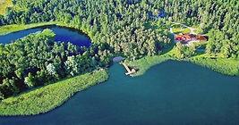 Posiadłosc nad jeziorem.jpg