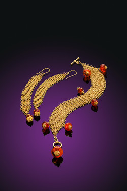 Stunning Gold Necklace and Earrings