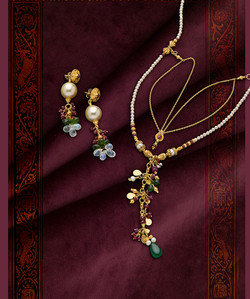 Striking Necklace and Earrings Set