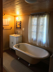 bathroom (claw foot tub)