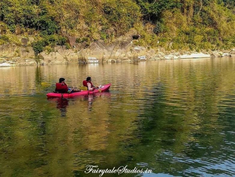 Kayaking in Shnongpdeng, Dawki - Meghalaya, India_Adventure sports in India