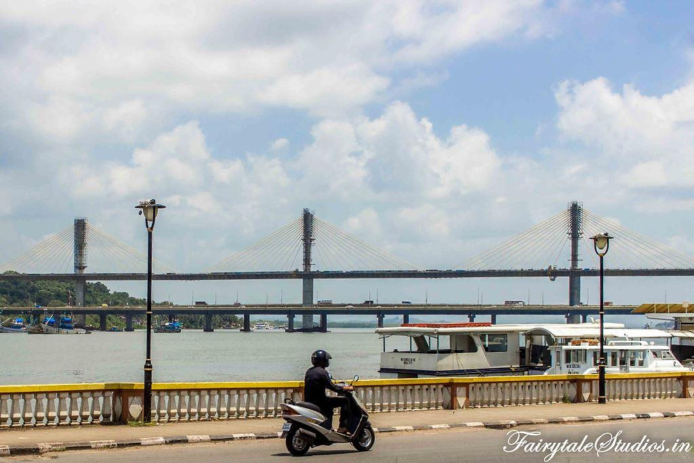 Road besides river mandovi that takes you to new panjim all the way till Dona Paulo