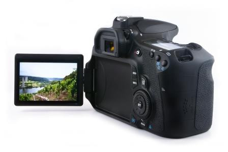 Tiit screen on a DSLR. Image credits Philip Klever alias User:Killerwal [GFDL (http://www.gnu.org/copyleft/fdl.html) or CC BY 3.0 (https://creativecommons.org/licenses/by/3.0)], via Wikimedia Commons