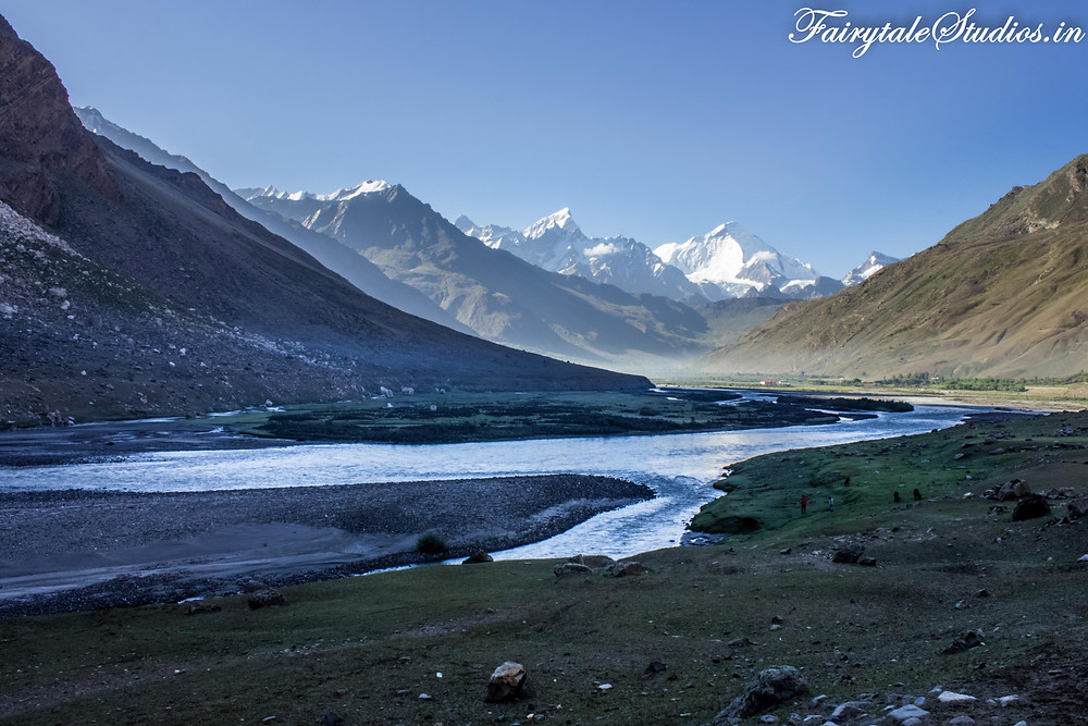 Panikhar - A wide expanse of grass besides Suru river in front of Nun-Kun (The Zanskar Odyssey Travelogue)