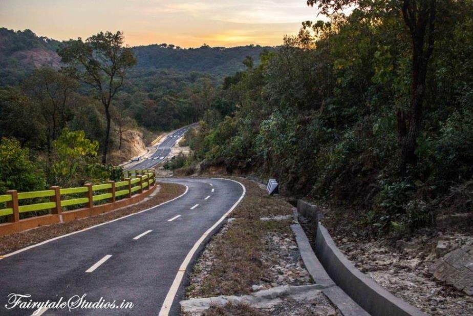 Roads to Mawsynram and Mawlyngbna village, Meghalaya