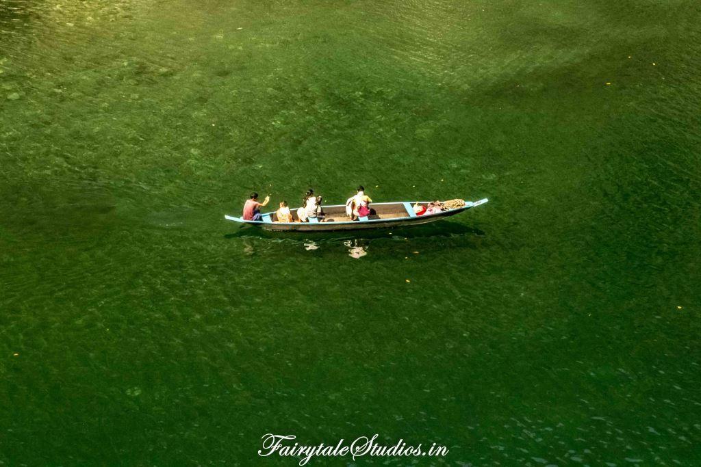 Green hues of river_Umngot river_Meghalaya Odyssey_Fairytale Photo blogs (2)